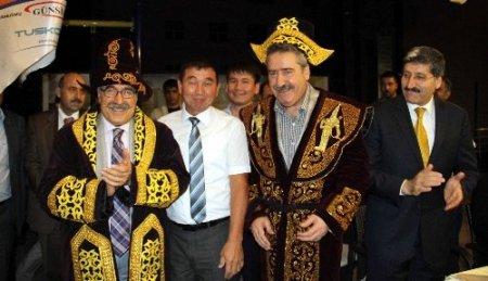 Kazak iş adamlarından Diyarbakır'a çıkarma