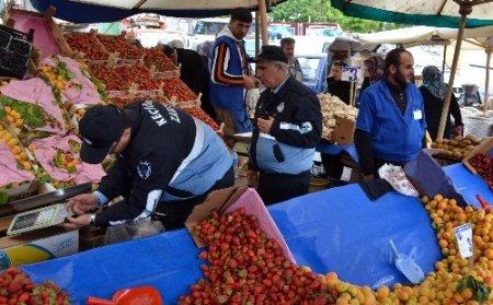 Keçiören'de pazar terazileri kayıt altına alındı