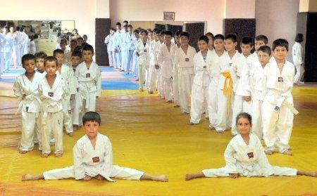 Kepez'in ücretsiz yaz spor okulu başlıyor