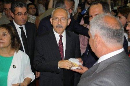 Kılıçdaroğlu: Aziz Kocaoğlu İzmir'e hizmet etmeyi sürdürecektir