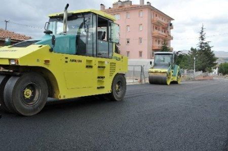Kırşehir Belediyesi asfalt çalışmalarına hız verdi
