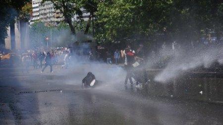 Kızılay'da 'Gezi Parkı' gerilimi sürüyor