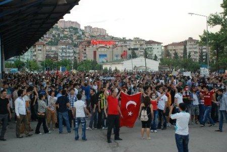 Kocaeli'nde polisten eylemcilere müdahale
