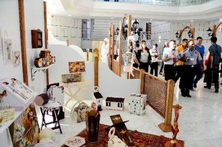 KOMEK Altın Dokunuşlar Sergisi 2013 eserle açıldı