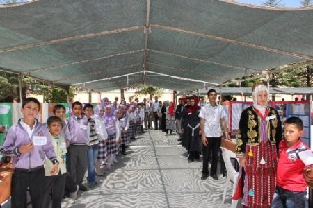 Korkuteli'nde TÜBİTAK Bilim Fuarı açıldı