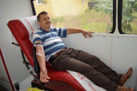 Kursu tamamladılar, kan bağışladılar