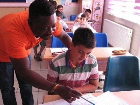 Lara Koleji öğrencileri İngilizceyi yaşayarak öğreniyor