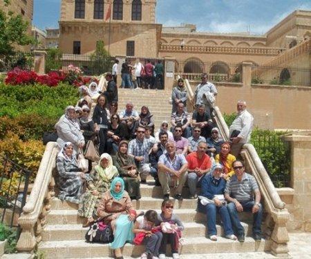 Lara Koleji veli ve öğretmenleri Güneydoğu'da kardeşlik bağı kurdu