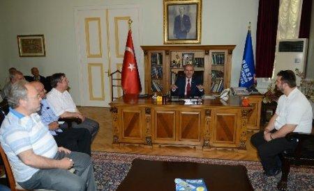 Madanlı Müslümanlar Başkan Altepe'yi ziyaret etti