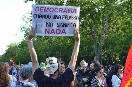 Madrid'de binlerce kişi Troyka'yı protesto etti