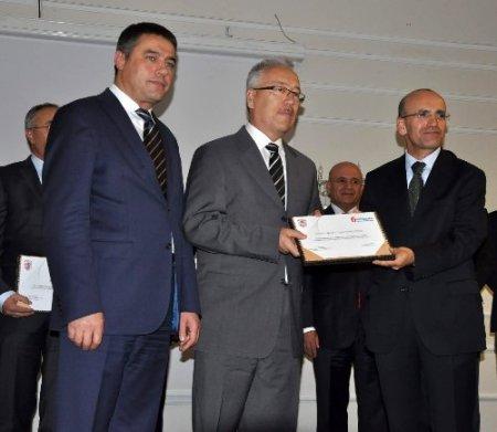 Maliye Bakanı Şimşek: Türkiye'nin kayıt dışı vergi kaybı 90 milyar lira
