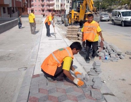 Mamak'ta yıl başından bu yana 85 bin ton asfalt serildi