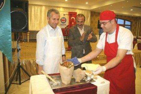Memur-Sen: Türkiye'yi karıştırmak isteyenlerin oyununa gelinmemeli