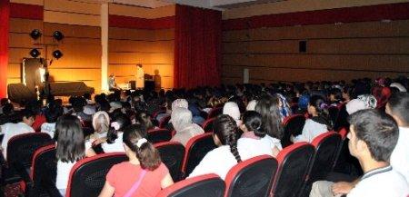 Midyat Gençlik Merkezi öğrencileri 'Vesile'yi izledi