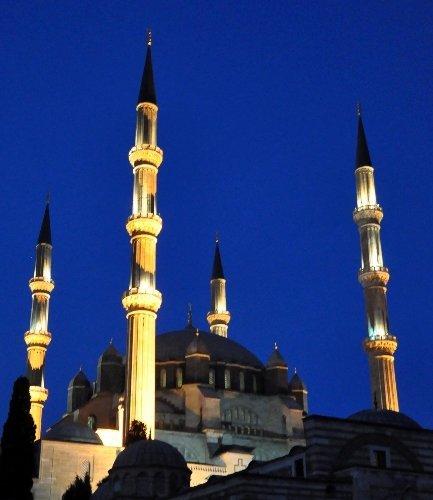 Miraç Kandili coşkusu Selimiye'ye sığmadı