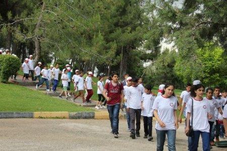 MKÜ, Reyhanlılı öğrencilerin acılarını unutturmaya çalışıyor