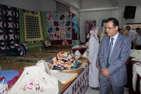 Muğla Halk Eğitim Merkezi'nin yıl sonu sergileri açıldı