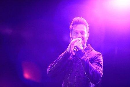 Murat Boz, Fethiye'deki konserinde 15 bin kişiyi coşturdu