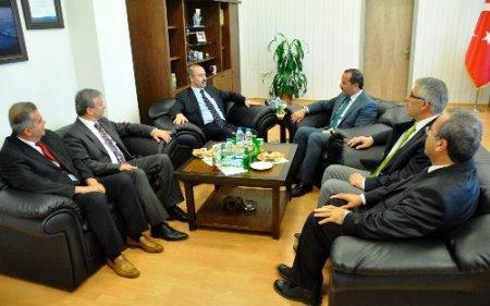 Muş Valisi Vedat Büyükersoy, Rektör İnanç'ı ziyaret etti