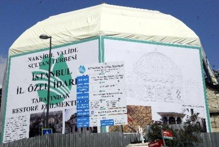 Nakşidil Valide Sultan Türbesi yenileniyor
