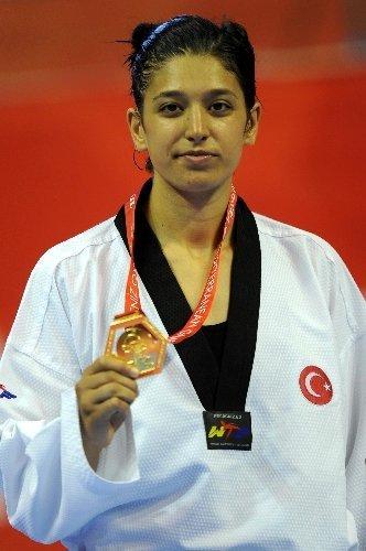 Nur Tatar, Faslı rakibi El Meslahy'yi 10-4 yenerek altın madalya kazandı