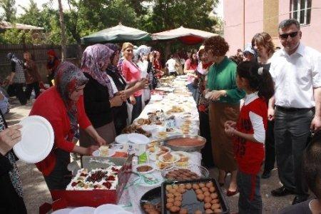 Okul aile birliği ve velilerden ortak kermes