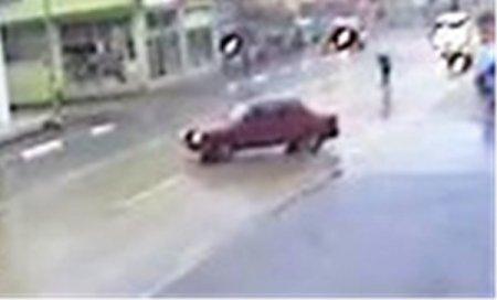 Okul yolunda liseli kızın öldüğü kaza güvenlik kamerasına takıldı