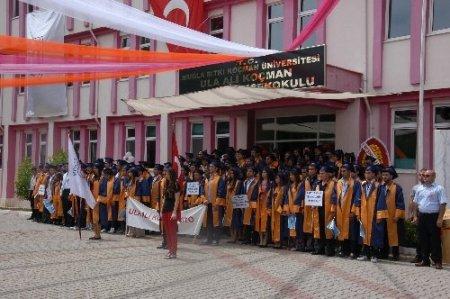 Okulları bitti, iş ayaklarına geldi