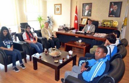 Olimpiyat öğrencilerinden Başkan Köktaş'a ziyaret