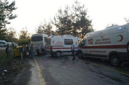 Orhaneli'nde trafik kazası: 7 yaralı