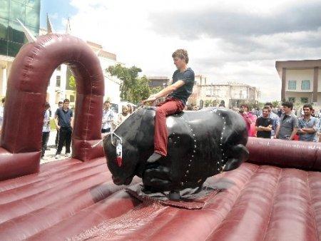 Orhangazili gençler rodeonun keyfini çıkardı