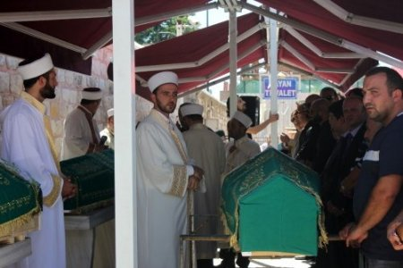 Özal'ın yeğeni son yolculuğuna uğurlandı