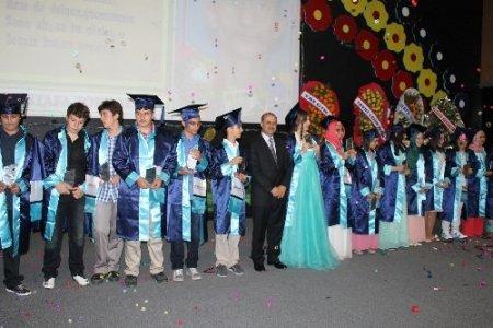 Özel Güzide Hanım Ortaokulu, 14. dönem mezunlarını uğurladı