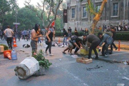 Park protestosunda CHP'lilerin de bulunduğu gruba müdahale