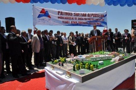 Patnos'ta fakültelerin temeli atıldı