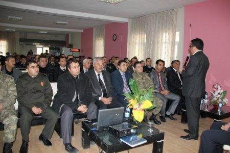 Pazarcık'ta iletişim semineri yoğun ilgi gördü