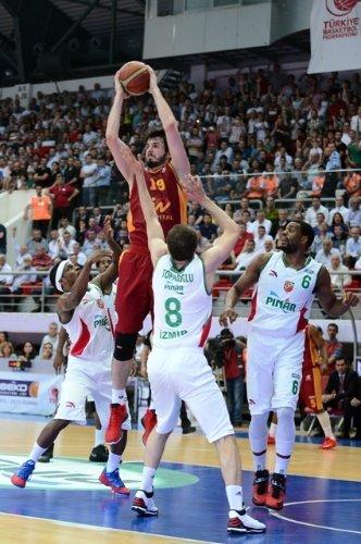 Pınar Karşıyaka'yı 79-77 yenen Galatasaray Medical Park ilk finalist takım