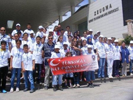 Polis, öğrencilere Gaziantep'i gezdirdi