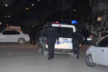 Polise silah çekip havaya ateş açtı