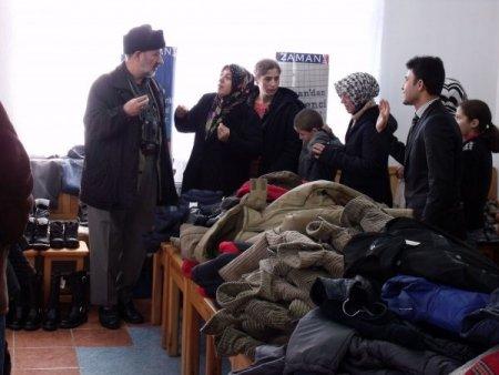Posof Okuma Salonu, başarılı öğrencileri kıyafetle ödüllendirdi