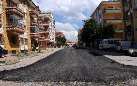 Pursaklar'a 15 bin ton asfalt serildi