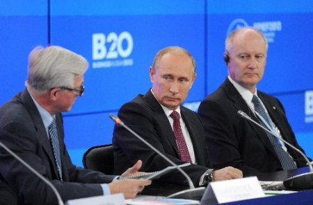 Putin, IMF'in Rusya büyüme rakamlarını iyimser buldu