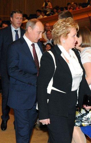 Putin ve eşi Lyudmila boşandıklarını açıkladı