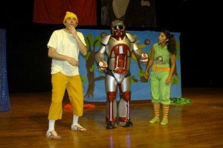 'Robot Astro' çocuklara çevreyi anlattı