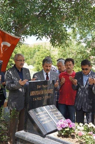 Şair Abdurrahim Karakoç kabri başında anıldı