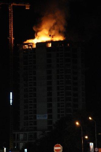 Samsun'un en yüksek binasında yangın