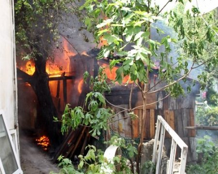 Sapanca'da yangın
