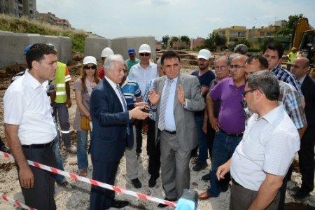 Seyhan'da su baskınlarını önleme çalışmaları sürüyor