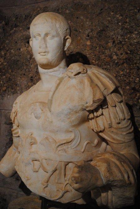 Side deki tarihi eserler nemden özel tasarımlı klimalarla korunuyor