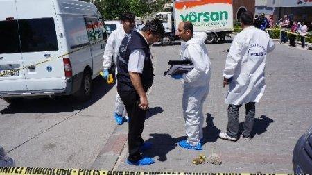 Silahlı iki kişi para aracını gasp etti, sürücü ağır yaralı (2)